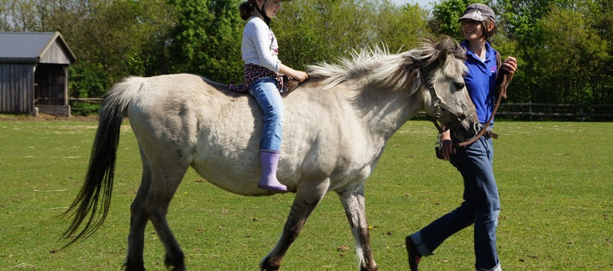 Ponyreiten Hannah Nielsen
